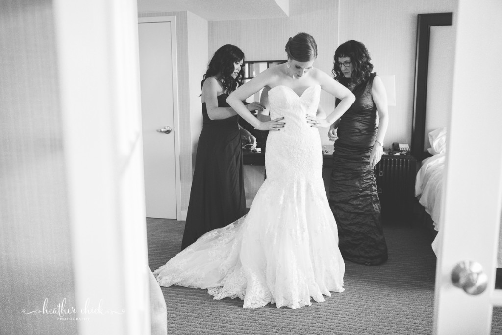 oakley-country-club-wedding-ma-wedding-photographer-heather-chick-photography-014