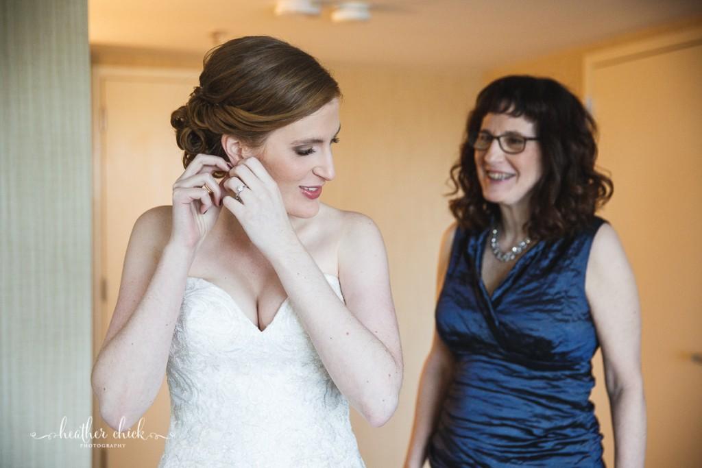 oakley-country-club-wedding-ma-wedding-photographer-heather-chick-photography-015