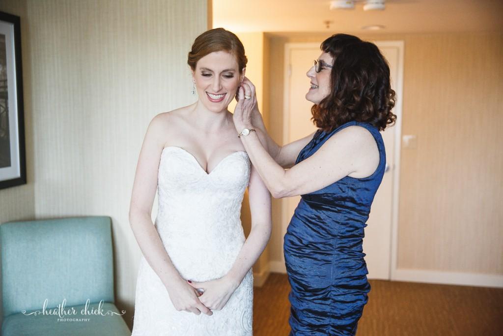 oakley-country-club-wedding-ma-wedding-photographer-heather-chick-photography-017