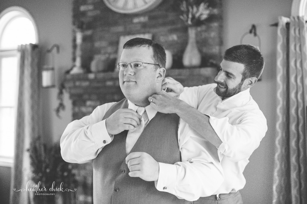 chocksett-inn-wedding-ma-wedding-photographer-heather-chick-photography-005-l97c8803