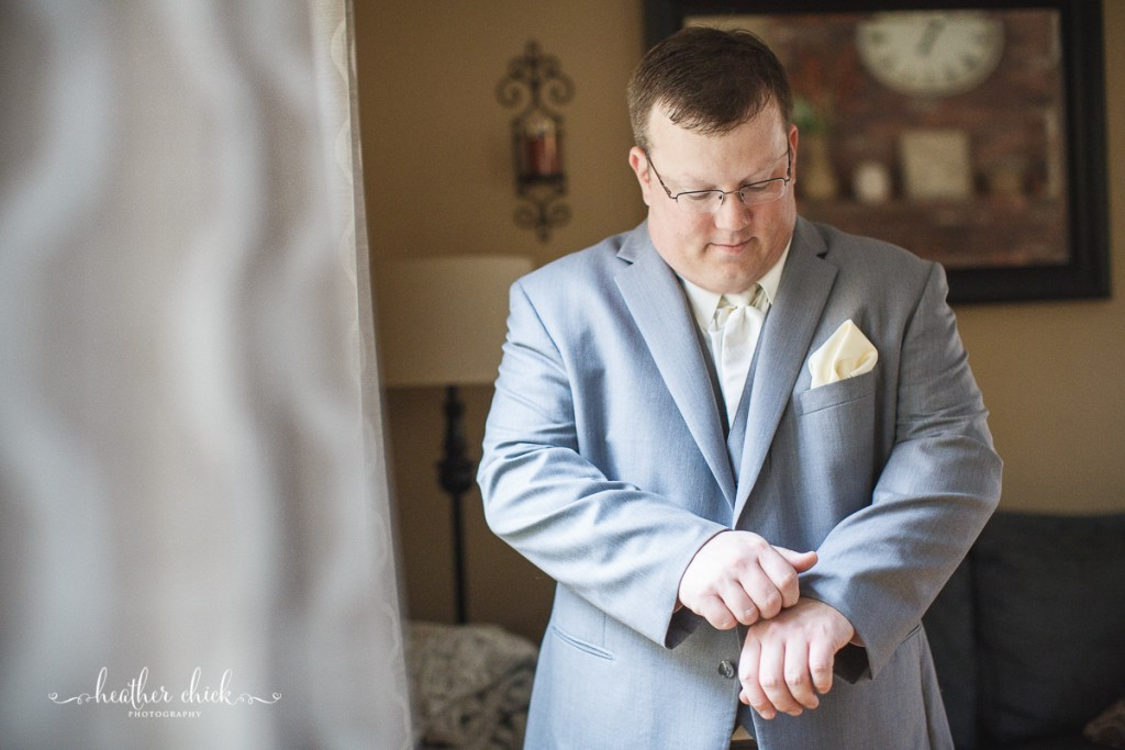 chocksett-inn-wedding-ma-wedding-photographer-heather-chick-photography-007-l97c8860