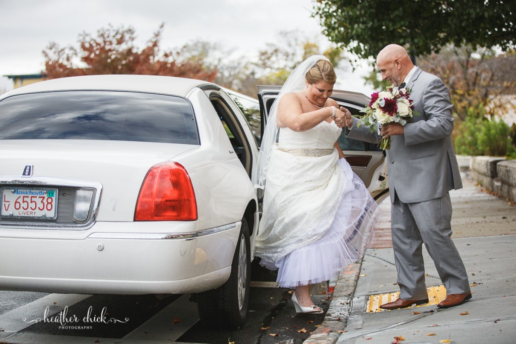 chocksett-inn-wedding-ma-wedding-photographer-heather-chick-photography-040-l97c9373
