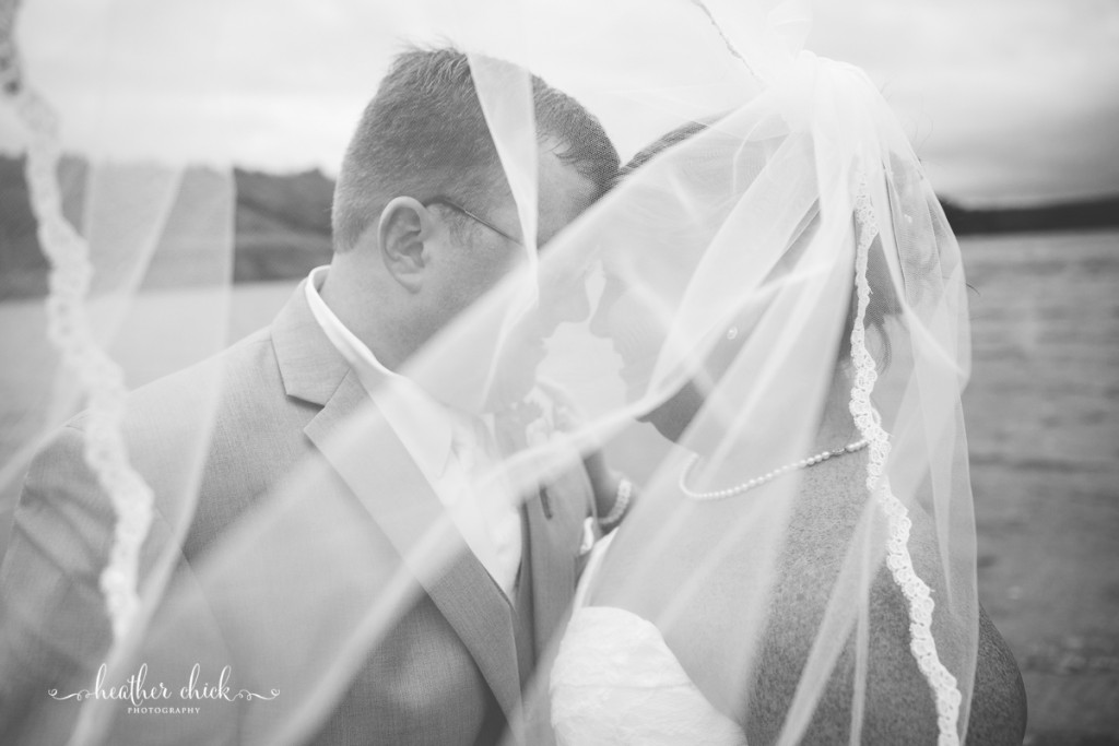 chocksett-inn-wedding-ma-wedding-photographer-heather-chick-photography-100-3j4a3059