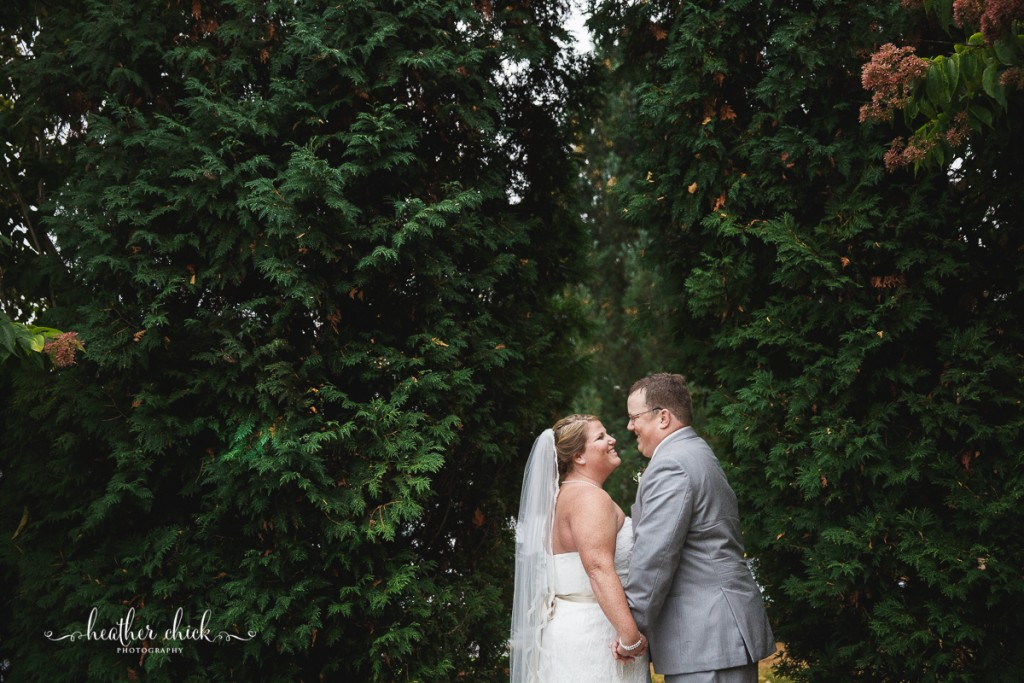 chocksett-inn-wedding-ma-wedding-photographer-heather-chick-photography-117-3j4a3609