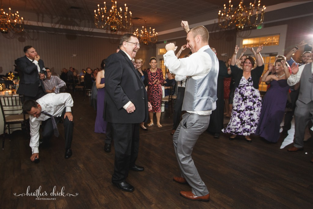 chocksett-inn-wedding-ma-wedding-photographer-heather-chick-photography-174-3j4a5560