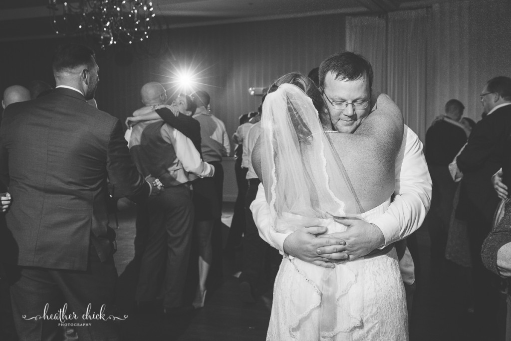 chocksett-inn-wedding-ma-wedding-photographer-heather-chick-photography-177-l97c19828