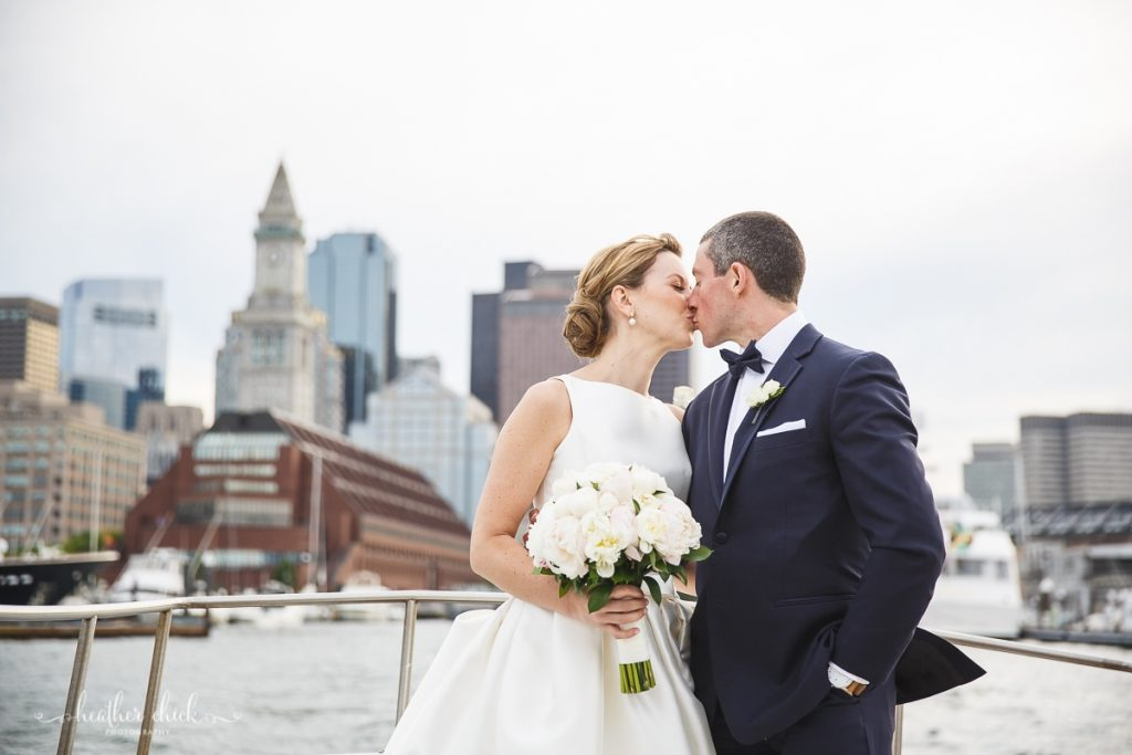 Hyatt-regency-boston-harbor-wedding-boston-wedding-photographer-ma-wedding-photographer-heather-chick-photography1560